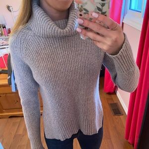 Aritzia Wilfred Free Lin Sweater